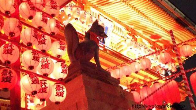 伏見稲荷夏の大祭 宵宮祭 山門前のお稲荷様