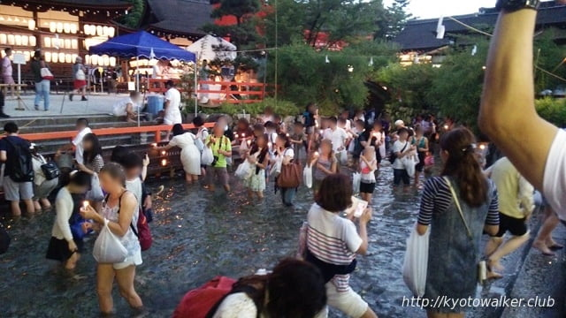 下鴨神社 夕方のみたらし池