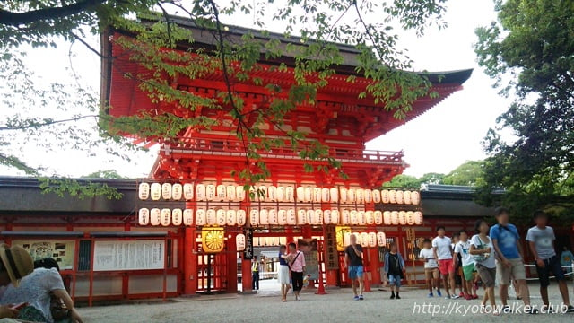 下鴨神社 夕方の楼門