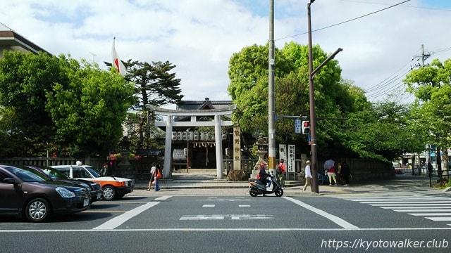 熊野神社 丸太町通から