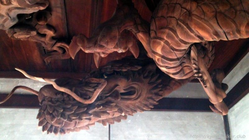 瀧尾神社の拝殿の天井の龍3