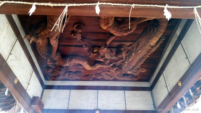 瀧尾神社の拝殿の天井の龍