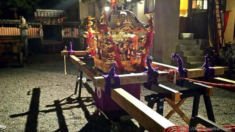 春日祭の夜の西院春日神社の子供神輿