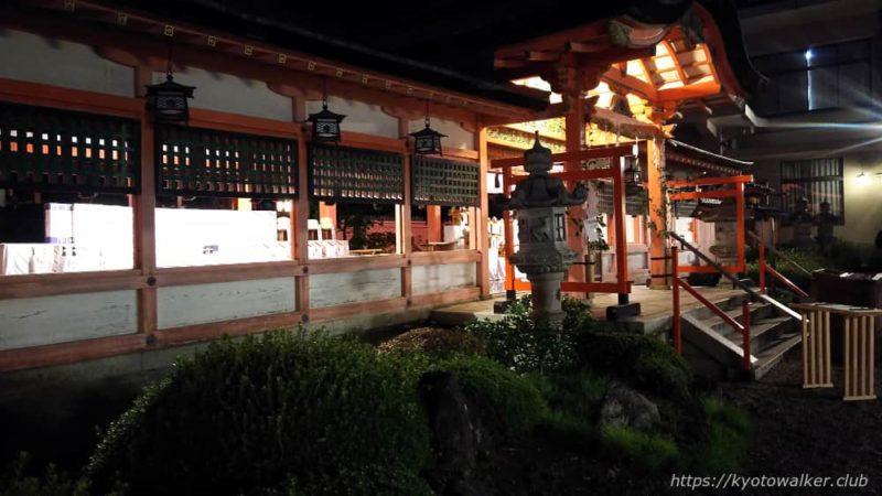春日祭の夜の西院春日神社拝所2