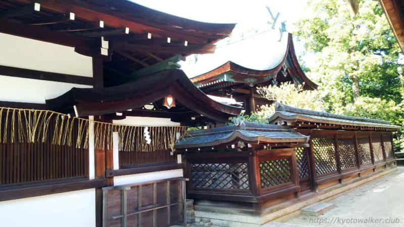 敷地神社(わら天神) 社殿と六勝神社の間から見た社殿 20190114