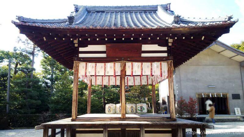 敷地神社(わら天神) 舞殿 横から20190114