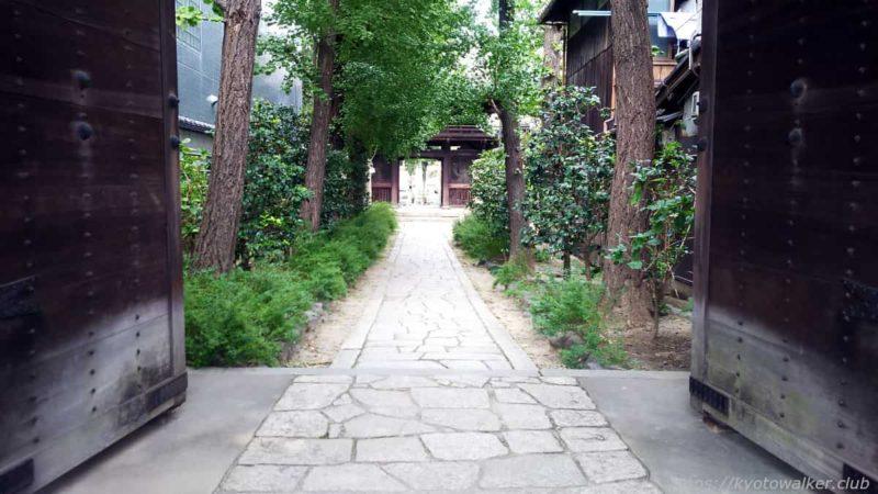 檀王法林寺 三条門から 20191017