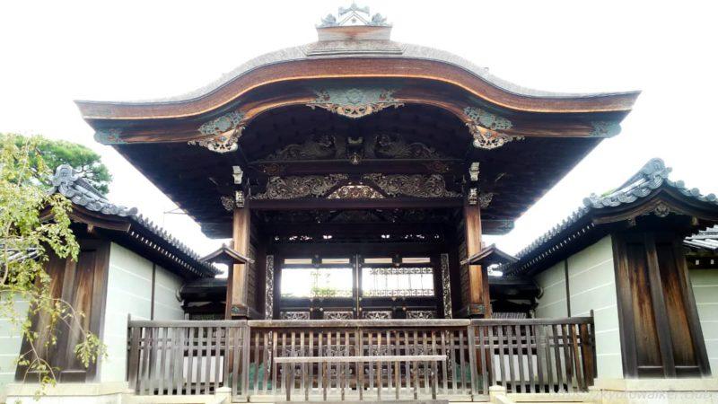 仁和寺 参道から見た御殿勅使門 20191010