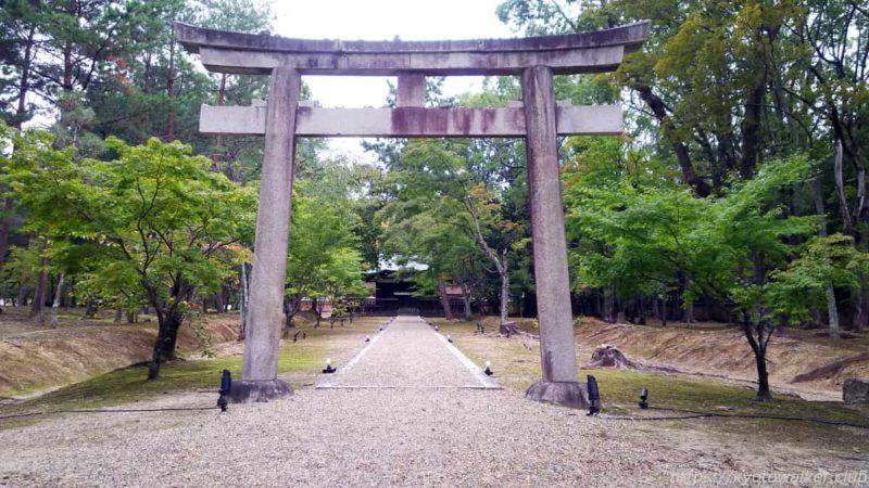 仁和寺 九所明神 鳥居から 20191010